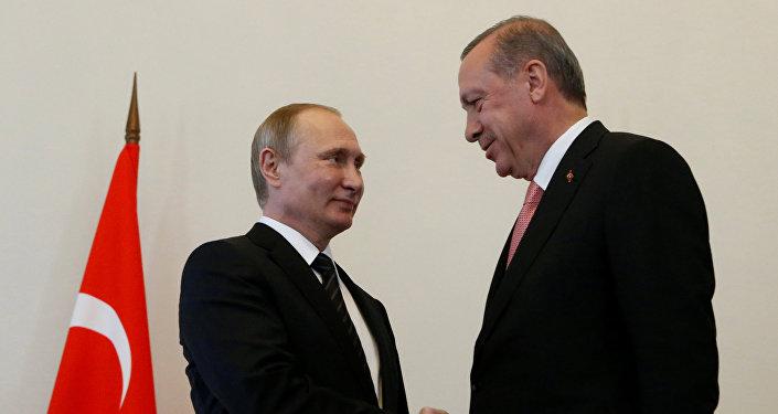 El presidente ruso, Vladimir Putin, con su homólogo turco, Recep Tayyip Erdogan
