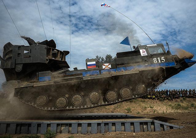 Un 'baile de tanques' pone punto y final al concurso internacional de ingeniería militar
