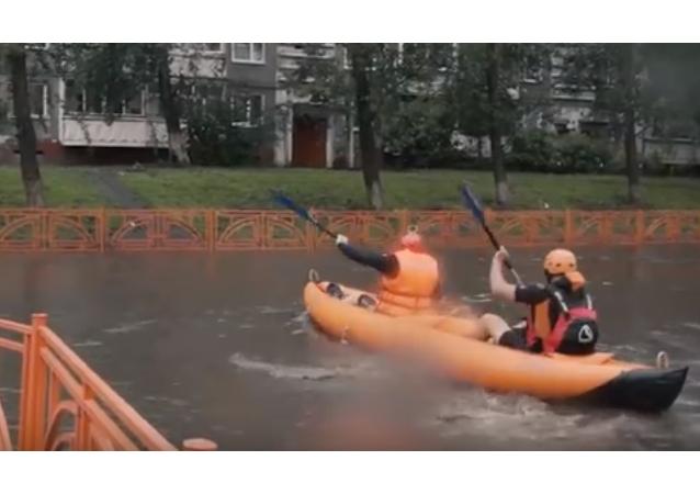 ¡Paseos en kayak gratis!: fuertes lluvias azotan Irkutsk