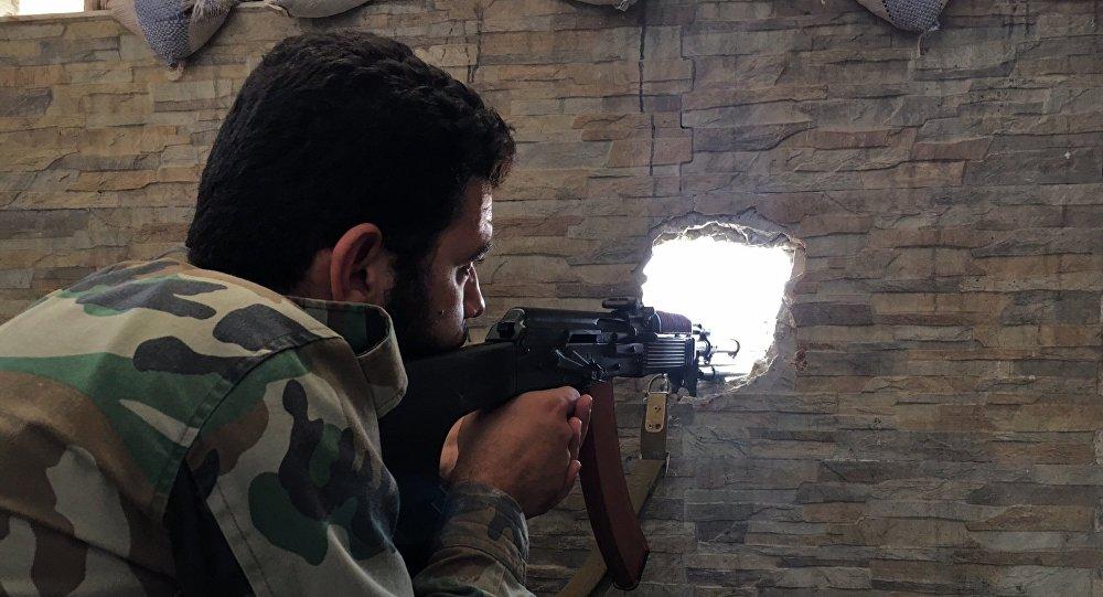Un soldado del Ejérciro sirio en Alepo