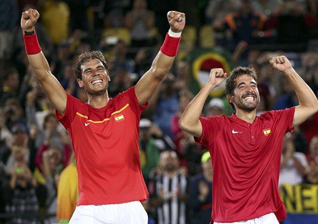 Rafael Nadal y Marc López, tenistas españoles