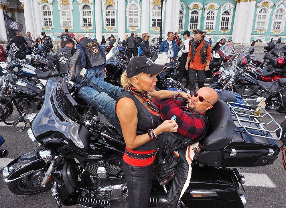 El festival de motos St. Petersburg Harley Days seduce a San Petersburgo