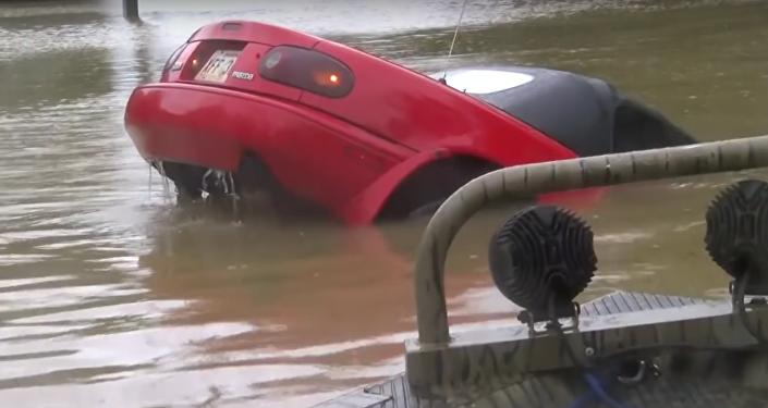 Increíble rescate 'in extremis' durante una inundación en Luisiana