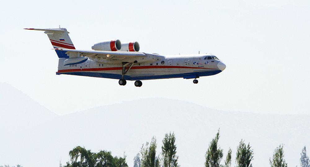 El avión anfibio ruso Be-200 (imagen referencial)