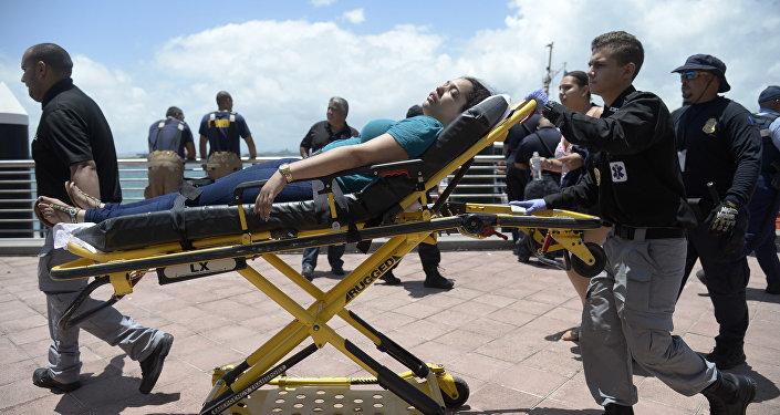 Evacuación del ferry 'Caribbean Fantasy' incendiado