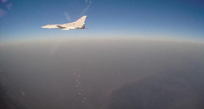 El ataque de los bombarderos rusos contra los terroristas en Siria