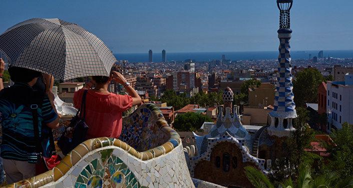 Turistas en el parque Guell, Barcelona