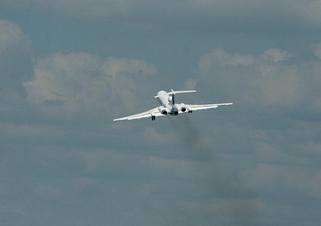 Un avión Ту-154М