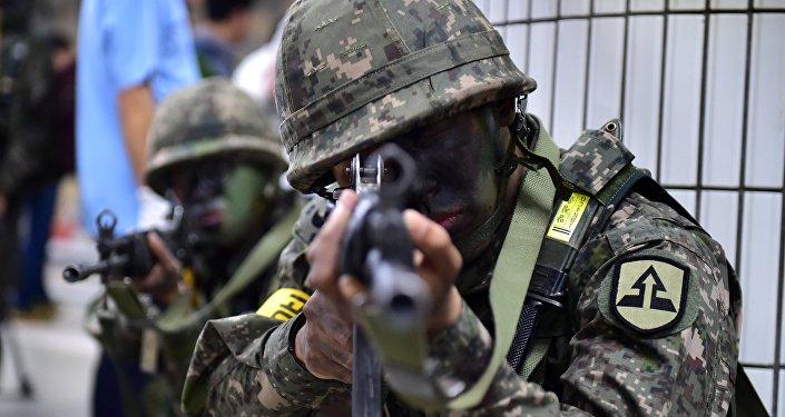 Soldados surcoreanos durante maniobras (Archivo)