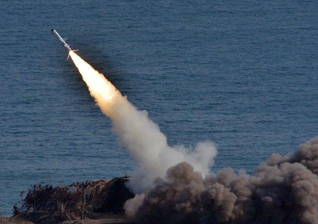 Lanzamiento de un misil (archivo)