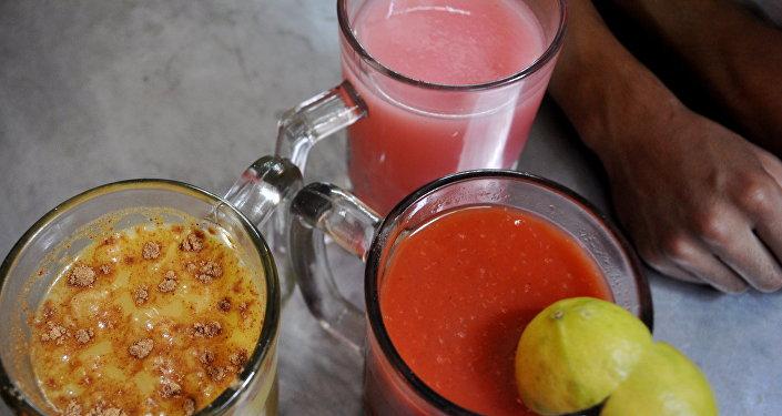Pulque de avena, de guava y de tomate