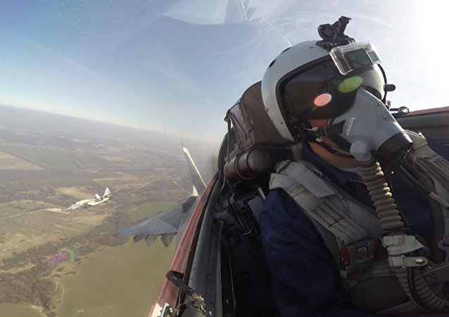 Graban con una Go Pro el vuelo de entrenamiento de un MiG-29