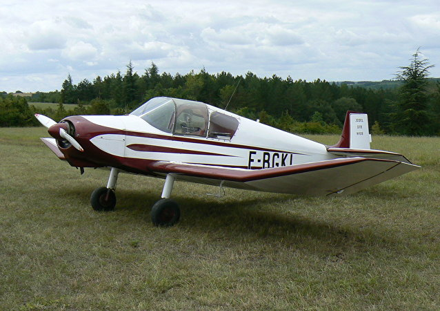 Avión Jodel D112