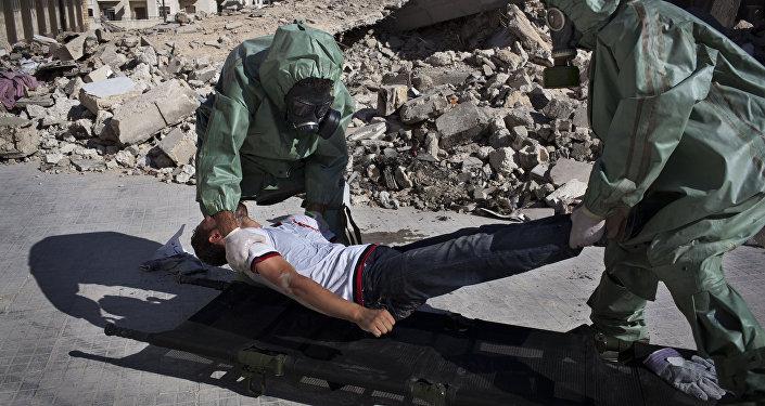 Voluntarios practican respuesta a un ataque químico, Alepo, Siria (archivo)