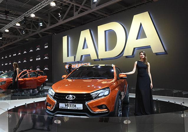 Un Lada Vesta durante el Salón Internacional del Automóvil de Moscú de 2016 (archivo)