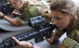 Las primeras jóvenes reclutas de la Fuerzas Armadas de Noruega