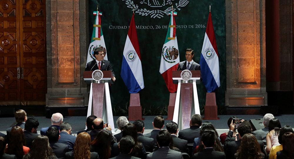 Los presidentes de Paraguay, Horacio Cartes, y de México, Enrique Peña
