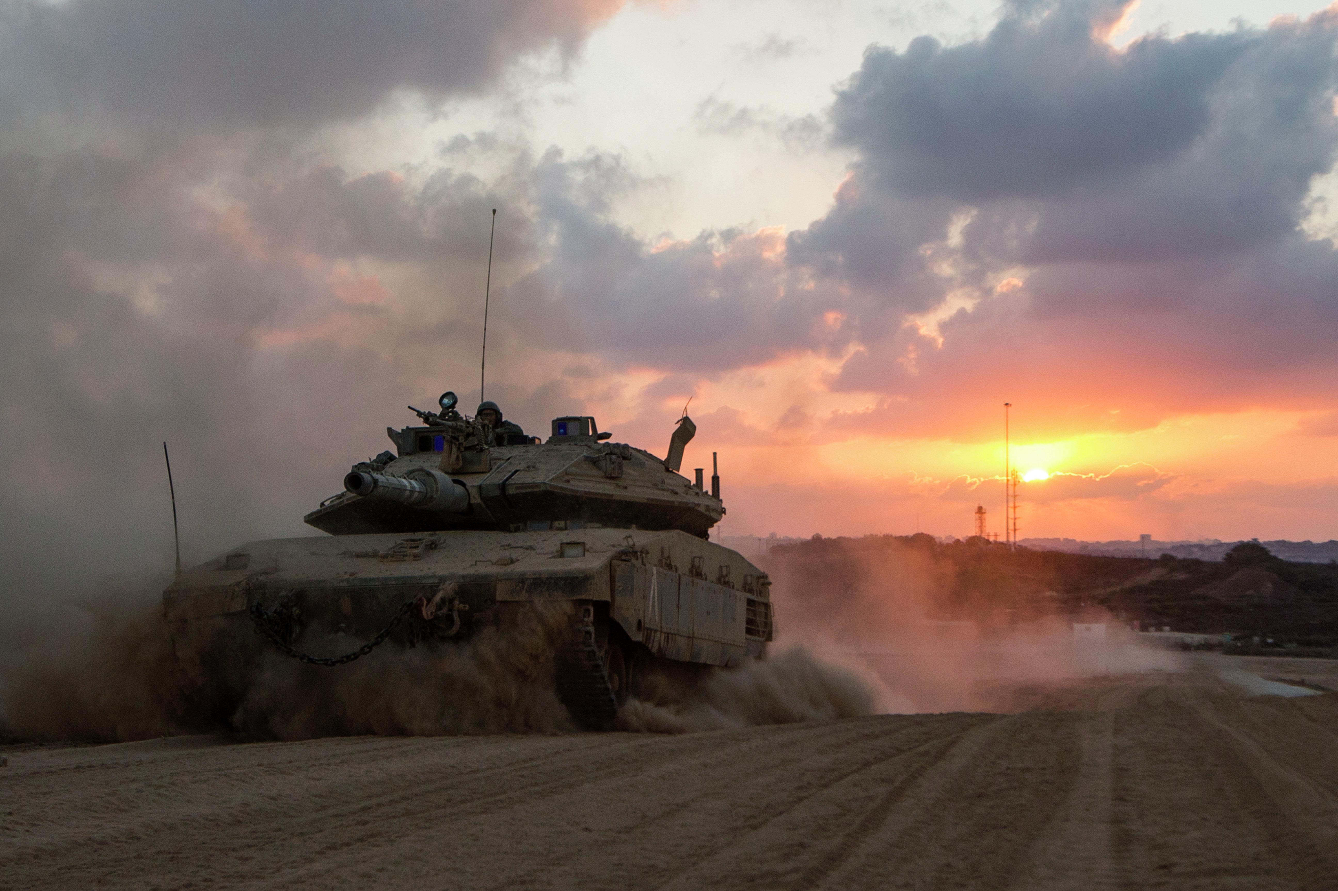 Merkava - el blindado de Israel puede competir con sus análogos ya que está dotado de uno de los mejores sistemas de protección.