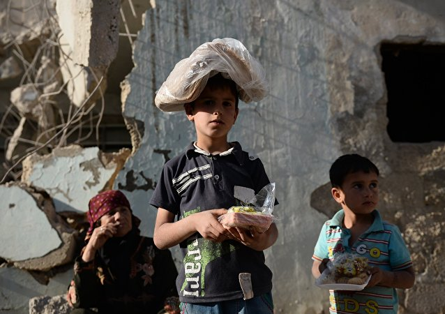 Niños sirios recibieron ayuda alimentica