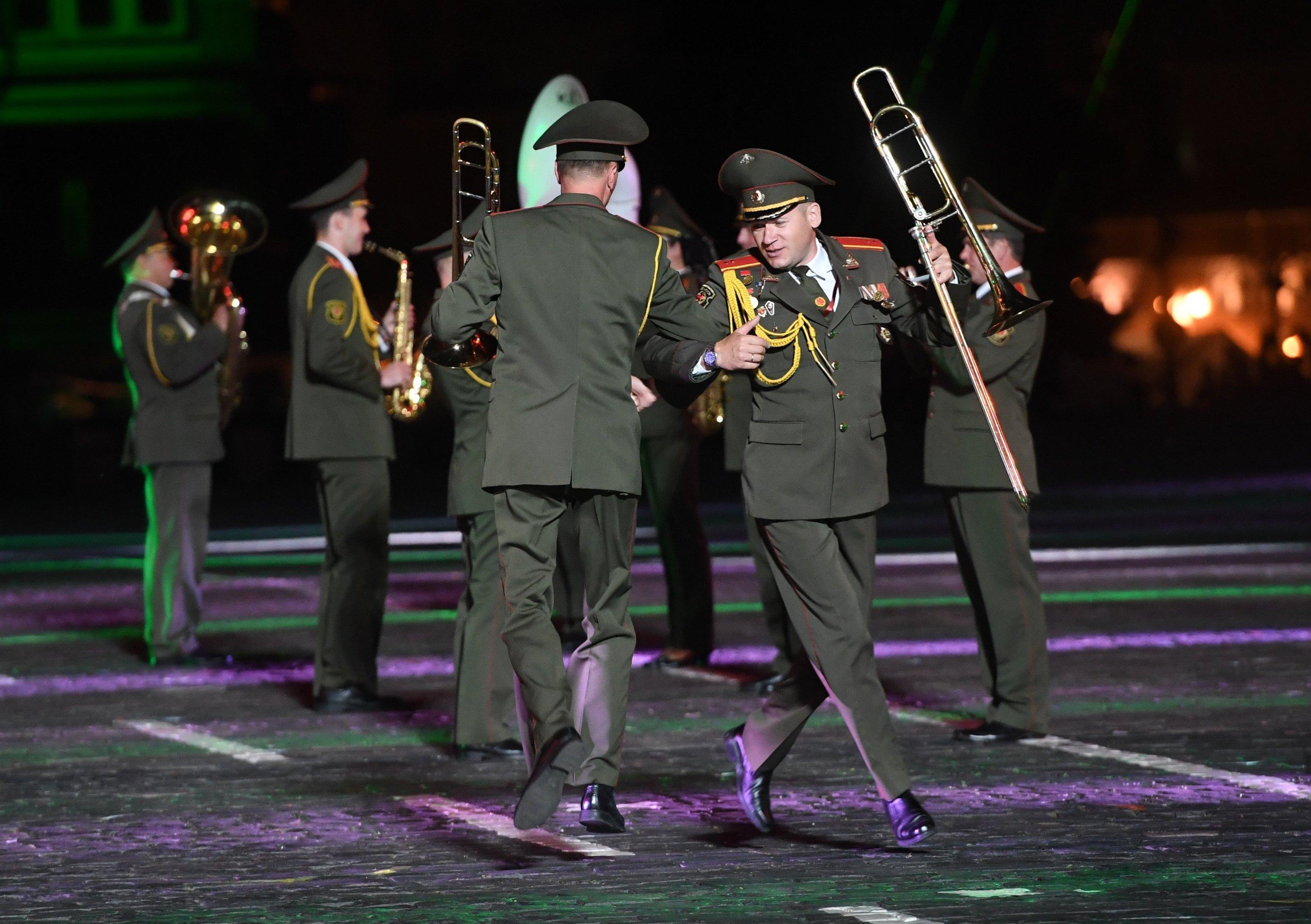 Los militares de Bielorusia en la apertura del festival internacional de música Spasskaya Bashnia en Moscú