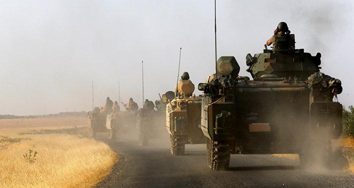 Los militares turcos en la frontera con Siria (Archivo)