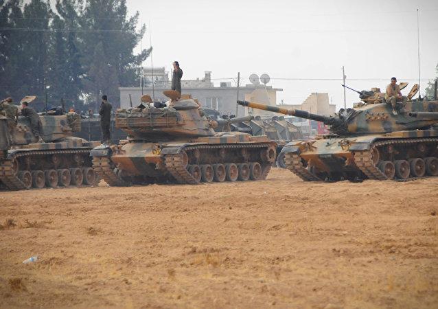 Tanques turcos en Yarabulus, Siria