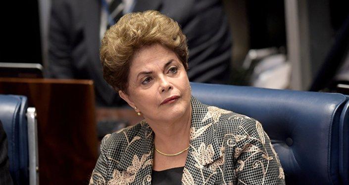 La presidenta suspendida de Brasil, Dilma Rousseff, durante su defensa en el Senado del país