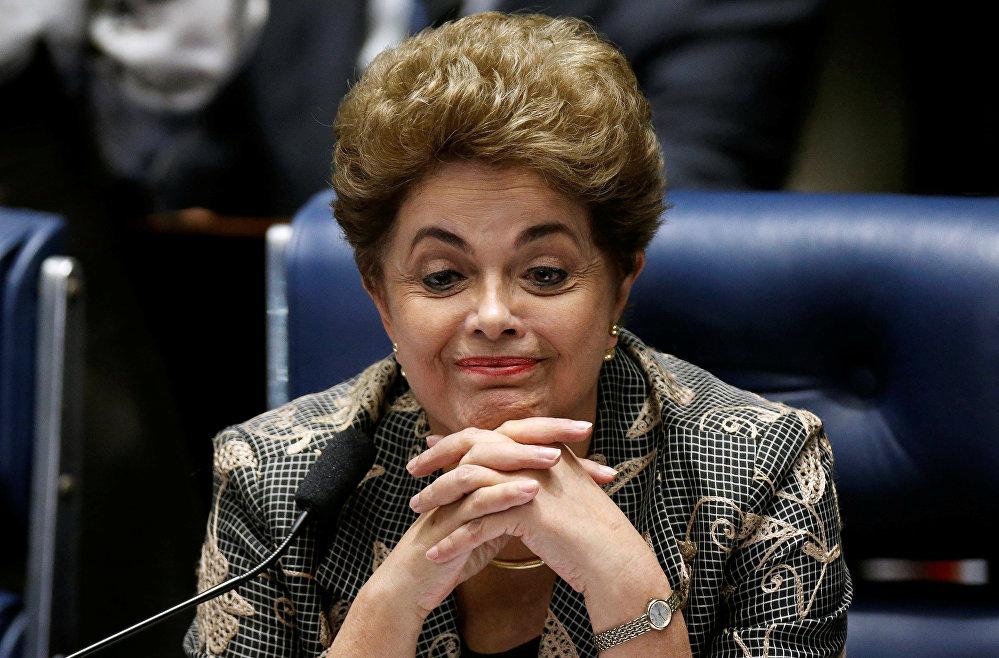 El Senado de Brasil aprobó la destitución de la presidenta Dilma Rousseff, cerrando un polémico proceso político que conmocionó al país durante un año.