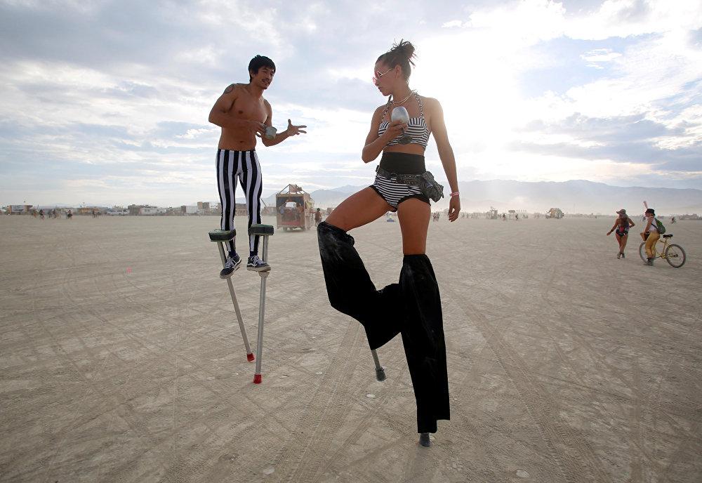Predicadores en el desierto: el festival de 'autoexpresión radical' Burning Man