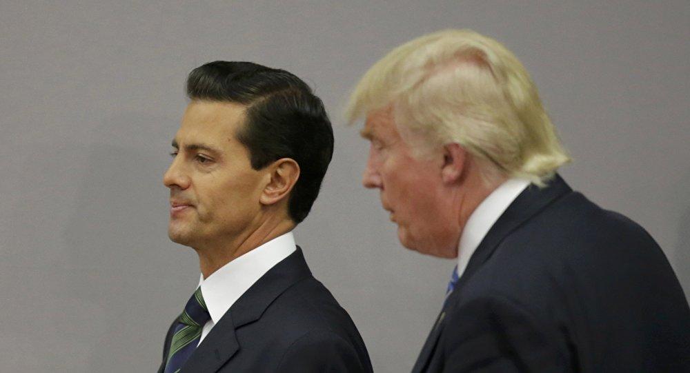 Presidente de México, Enrique Peña Nieto, y candidato a la presidencia de EEUU, Donald Trump (archivo)