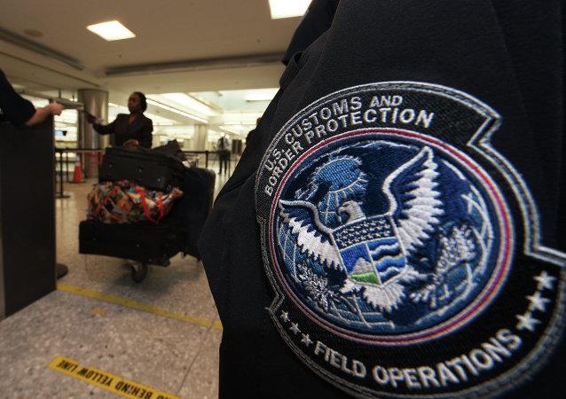 Agente de aduanas estadounidense (archivo)