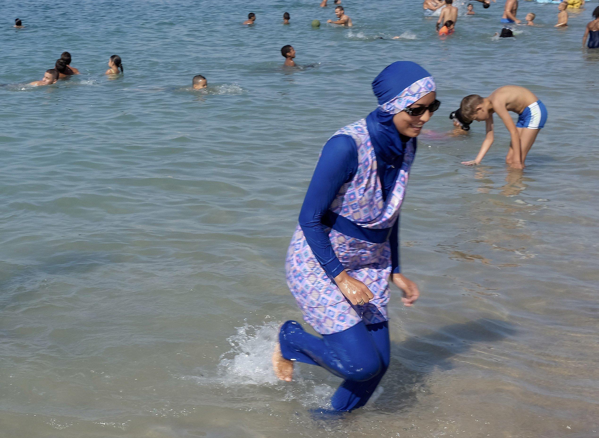 Mujer en burkini