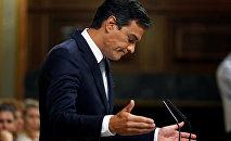 Pedro Sánchez, el líder del PSOE, durante el debate de investidura