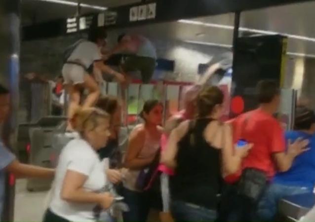 Pánico en el metro de Barcelona