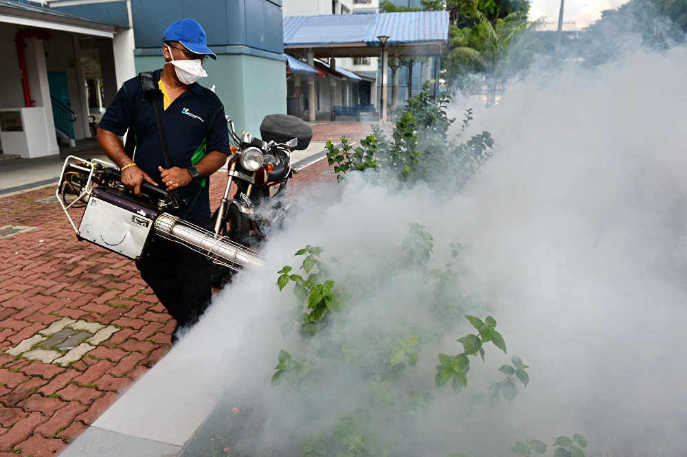 Trabajos de prevención en las áreas de detección del Virus del Zika en Singapur.