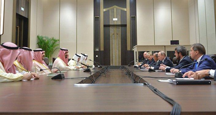 Encuentro entre el presidente ruso, Vladímir Putin, y el príncipe heredero sustituto de Arabia Saudí, Mohamed bin Salmán, en los márgenes de la cumbre del G20 en China