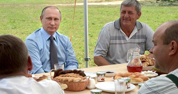 Visita de trabajo de Vladímir Putin a la región Tverskaya, Rusia