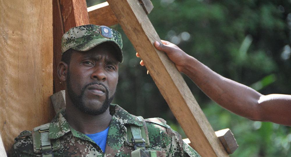 Guerrillero de las FARC (archivo)