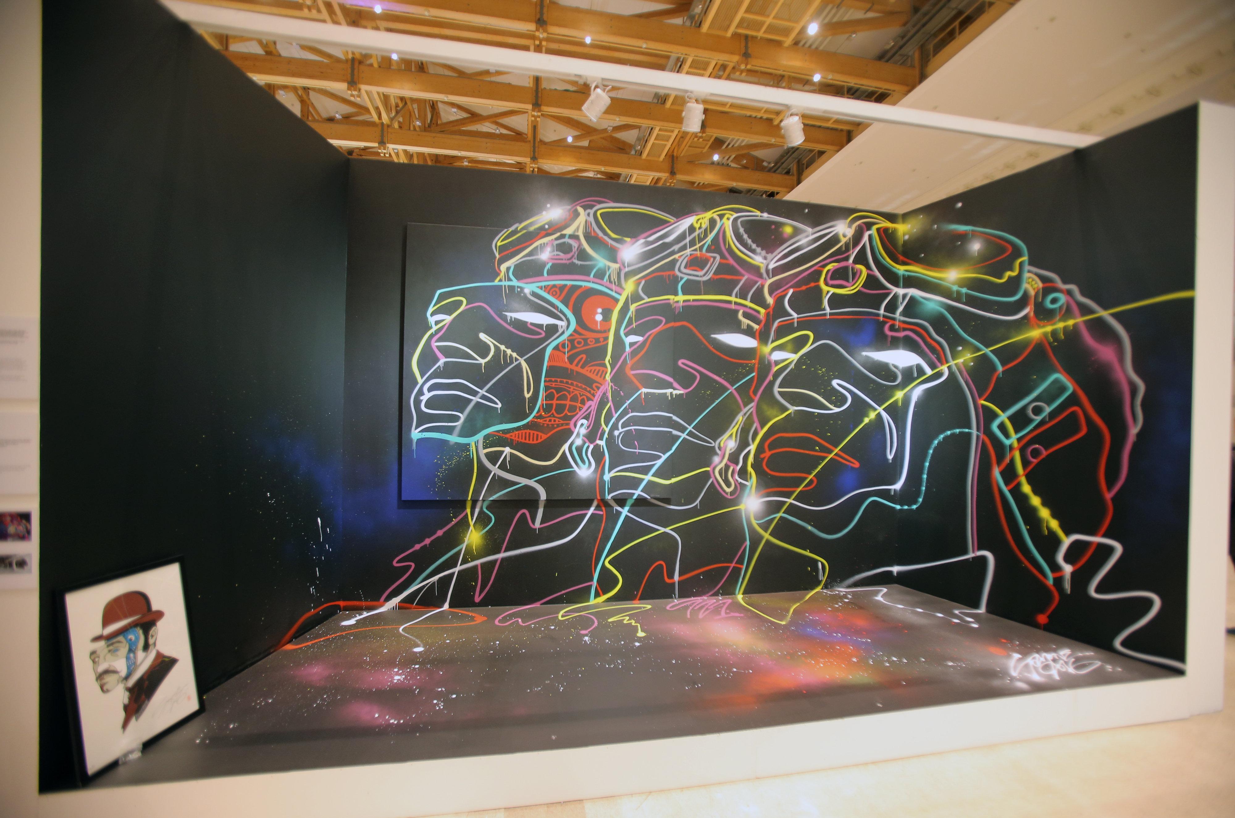 Sozyone González junto a su socio artístico, Smimooz, ha presentado en Moscú su obra 'Motorhead'