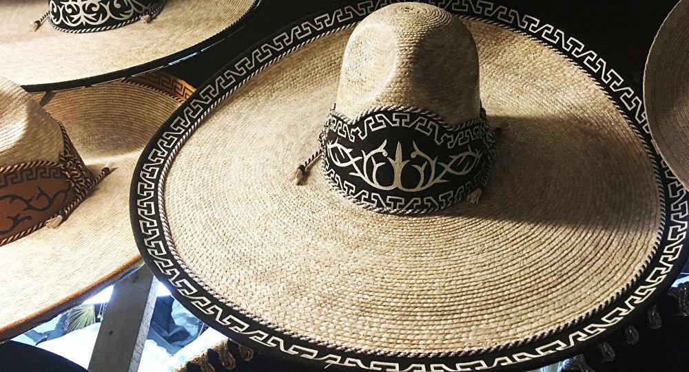 Sombrero, prenda de vestir y de trabajo para los mexicanos - Sputnik ...