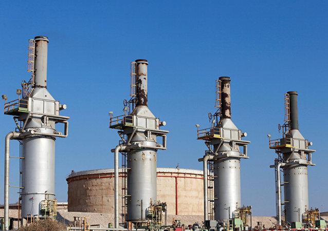 Terminal de petróleo en Zuweitina, Libia