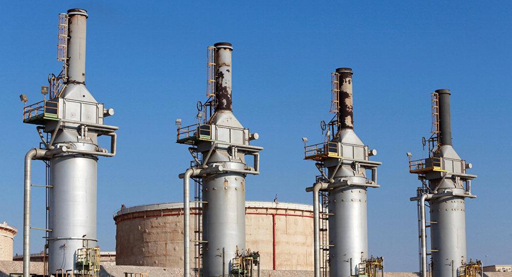 Terminal de petroleo en Zuweitina, Libia