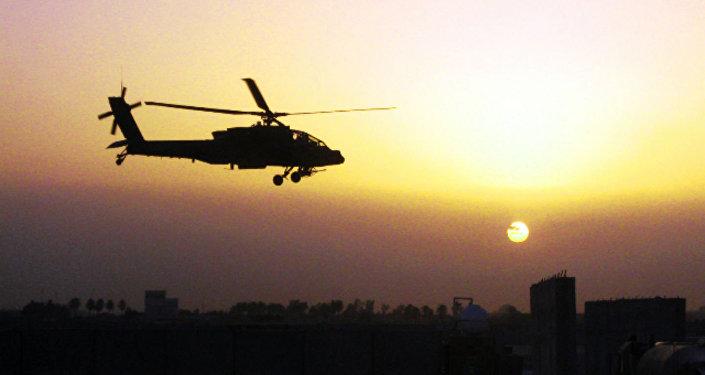 Helicóptero militar Apache AH-64D