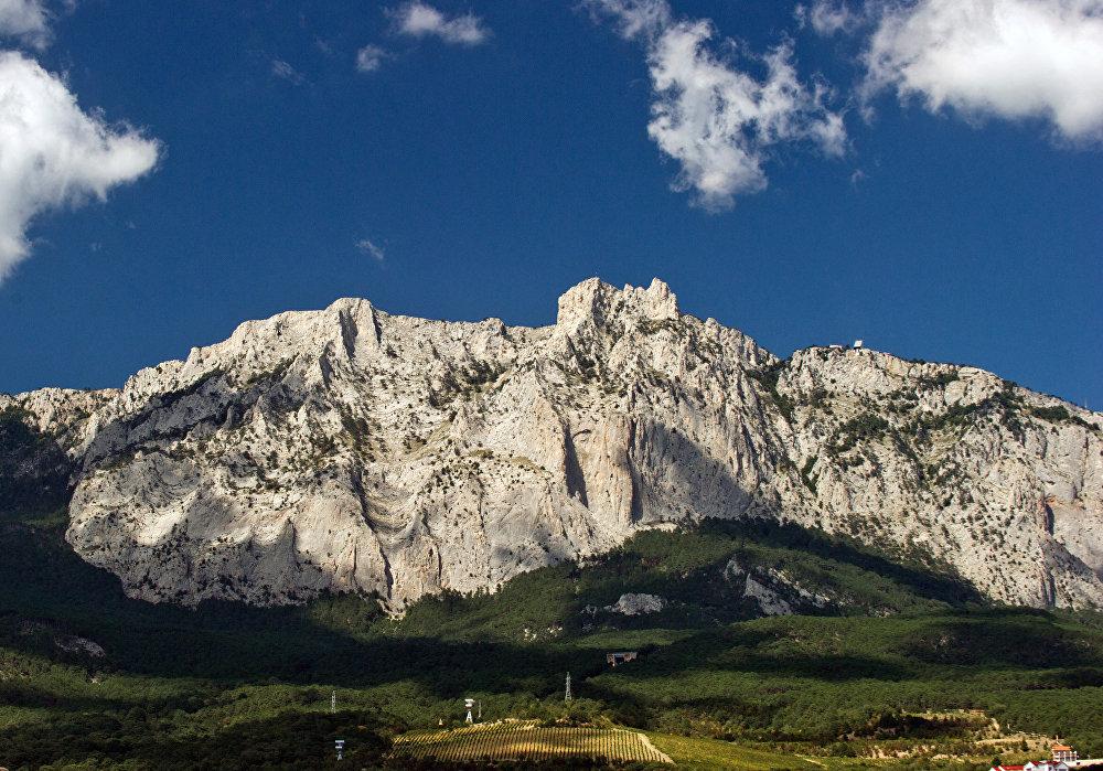 Montaña Ai-Petri, que en griego conmemora el nombre del apóstol San Pedro.
