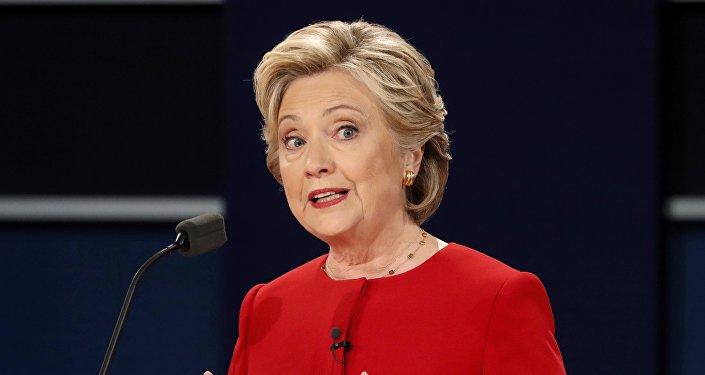 Previo al cierre de urnas, sondeos dan triunfo a Hillary Clinton