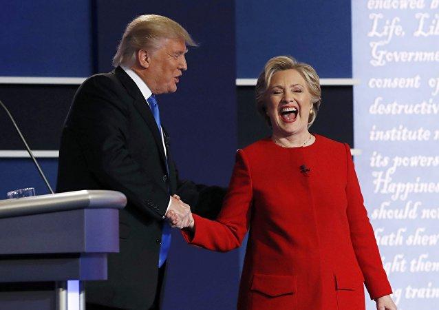 Donald Trump y Hillary Clinton, candidatos a la presidencia de EEUU, tras el debate