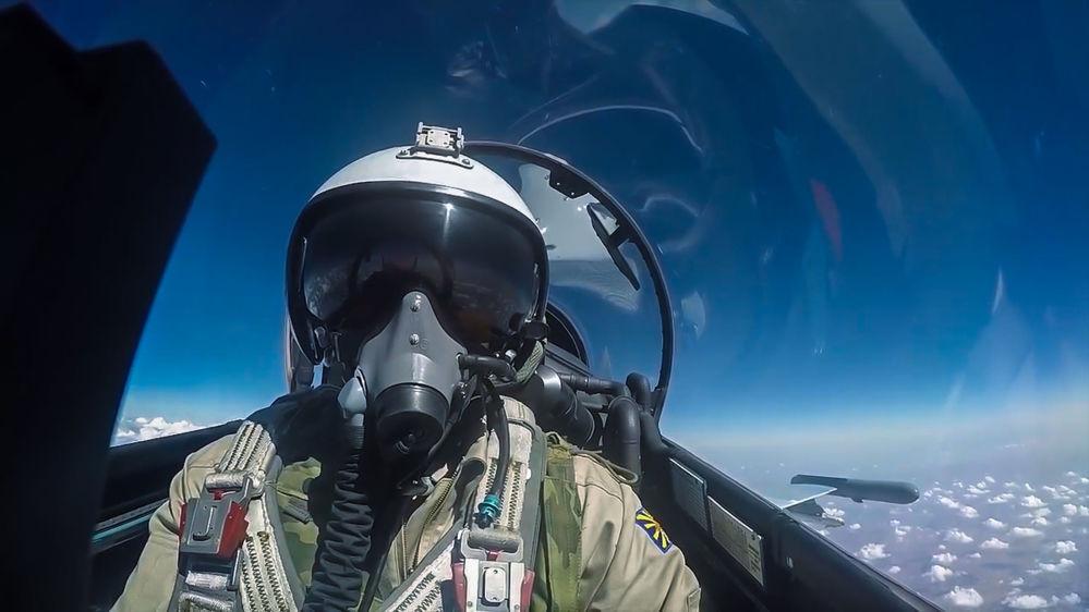 Un piloto del caza Su-30 de las Fuerzas Aeroespaciales durante un vuelo de combate en Siria