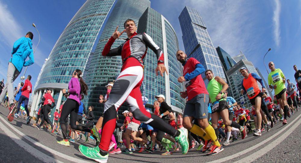 El 25 de septiembre en la capital de Rusia se llevó a cabo el Maratón de Moscú —competición tradicional de atletismo—, que contó con la participación de 28 mil corredores de 70 países.
