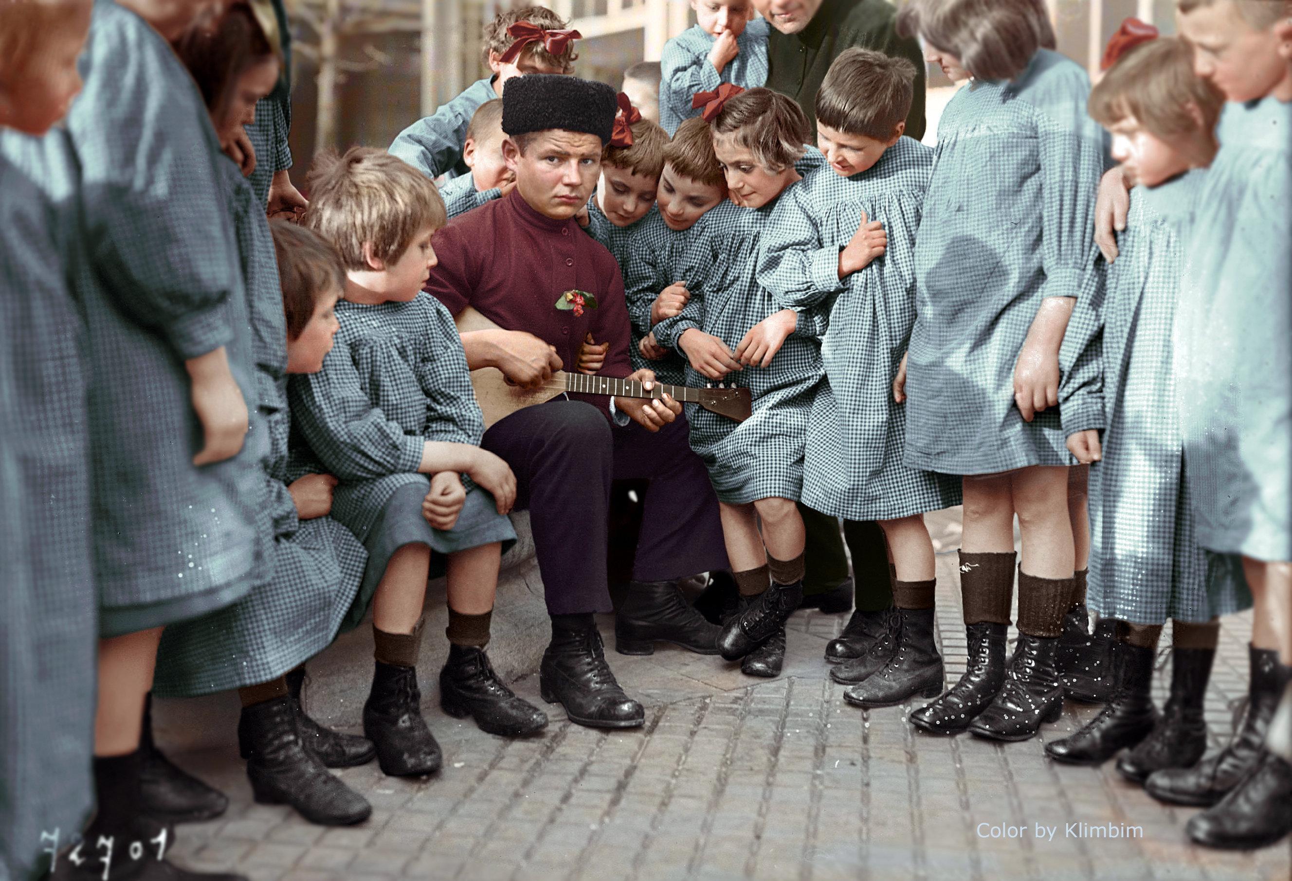 Huérfanos rusos en París