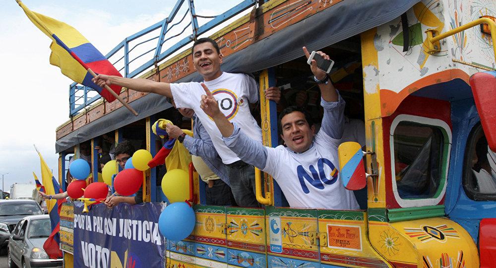 Partidarios del No en le referendum sobre la paz en  Colombia